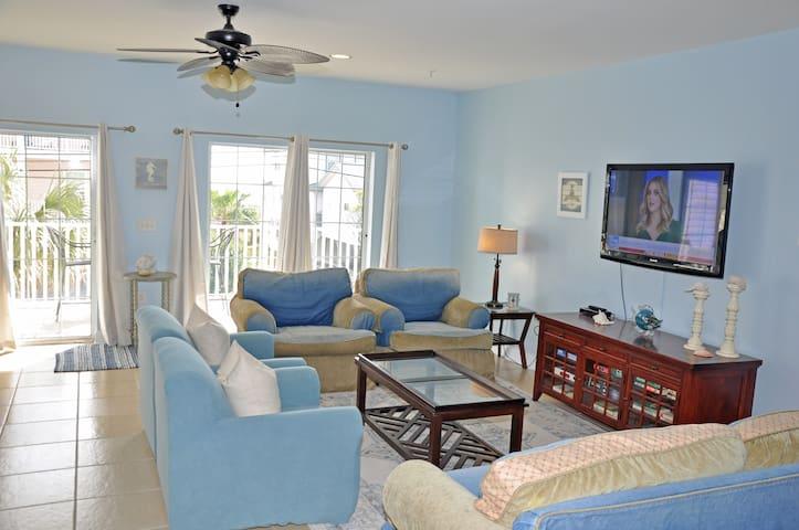 Coconut Grove  stunning 5BR/5bath Villa with  great ocean views,