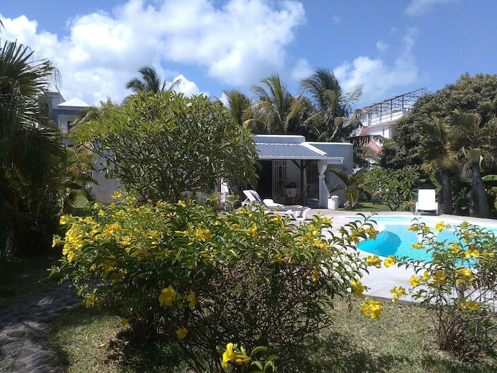 Villa Verde,Blue Bay Beach.Private Pool& Garden.