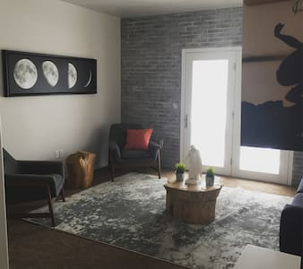Modern/Rustic Private Room & Bath.  Stay in style! - Lehi