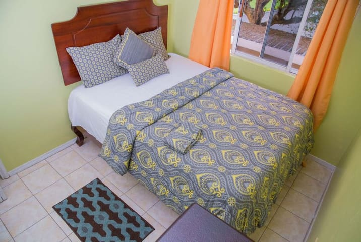 Comfortable queen sized bed!