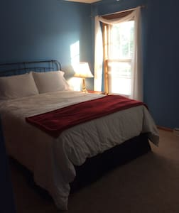 1 bedroom with queen bed - Germantown - Σπίτι