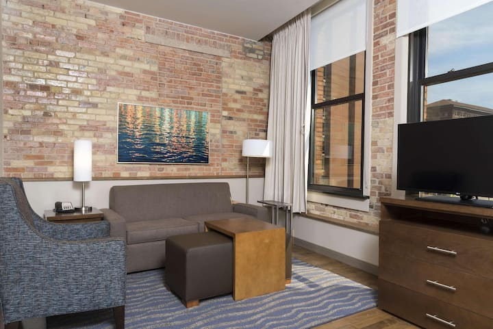 Fanciest Suite City View Two Double Beds At Grand Rapids Area