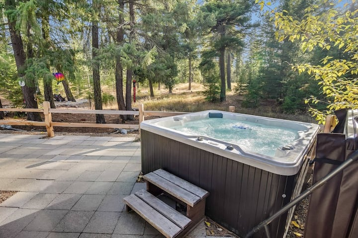 Beautiful Family-Friendly Rambler_4th Nt FREE_Summer Pool Access_Hot Tub_WiFi