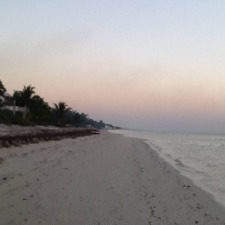 Esmeralda Costa. Playa bonita
