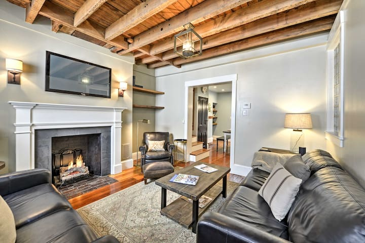Trinity Home in Center City with Free Parking!
