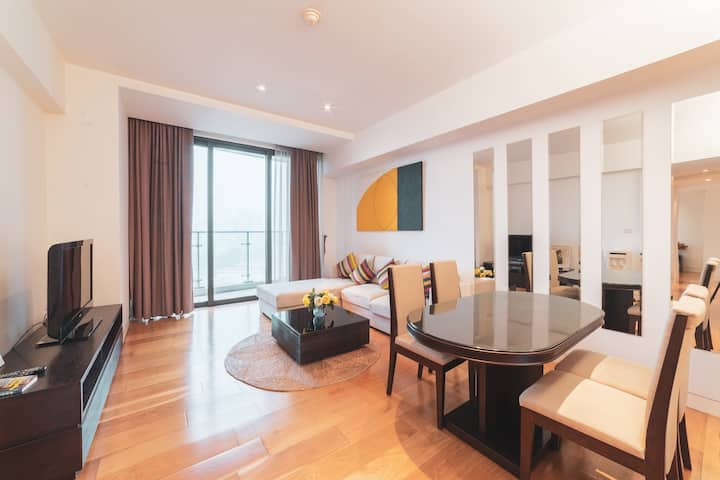 2 bedroom cozy and luxury apartment in the West