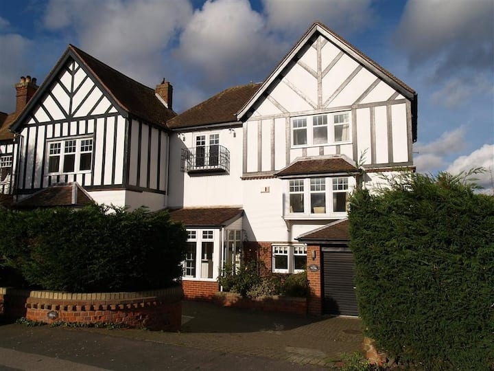 Spacious 5 bedroom (all en-suite) Southwold house