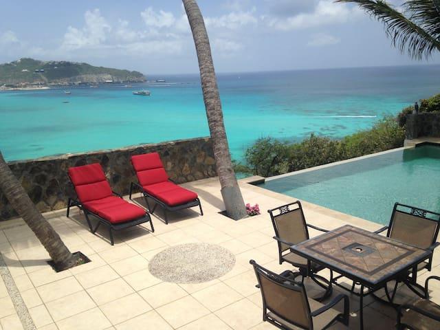 Happy Ridge Villa, outstanding Great Bay view - Little Bay - Villa