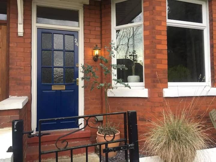 Charming 3 king bed Victorian terraced house