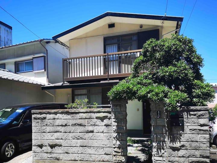#goto対象#高松駅徒歩3分、港徒歩5分、一軒家丸ごと貸切、接触なしでチェックイン、駐車一台無料