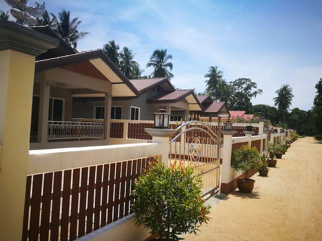 84/5 Srifa Resort, 2 Bedroom House, Lipa Noi Beach