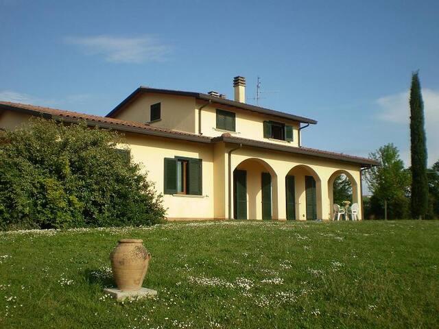 camera privata a Deruta - Deruta - Villa