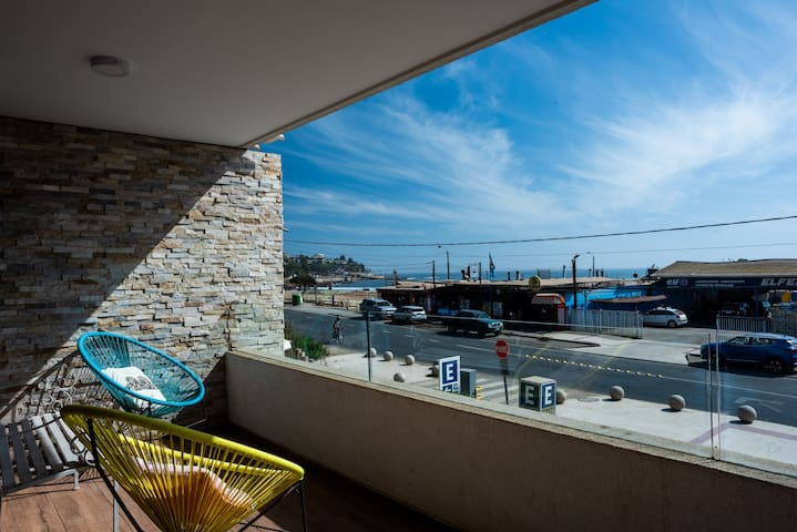 Costa Brava- 1BR with Ocean View, Parking and Wifi