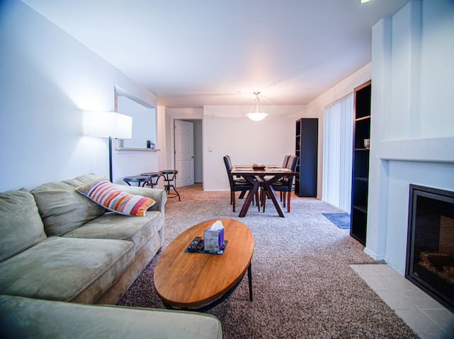 **Fully furnished Long-Term 3bed/2bath**