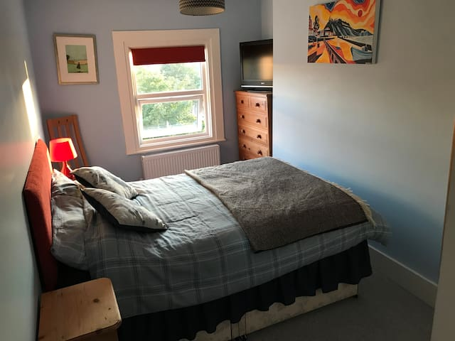 Smart Double Room in Folkestone's Creative Quarter