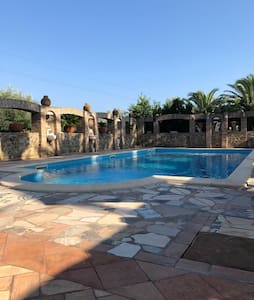 Villa Ludovica with swimming pool and tennis court