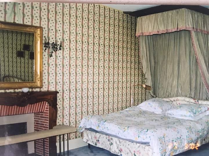 Chambres au château de Montjalin