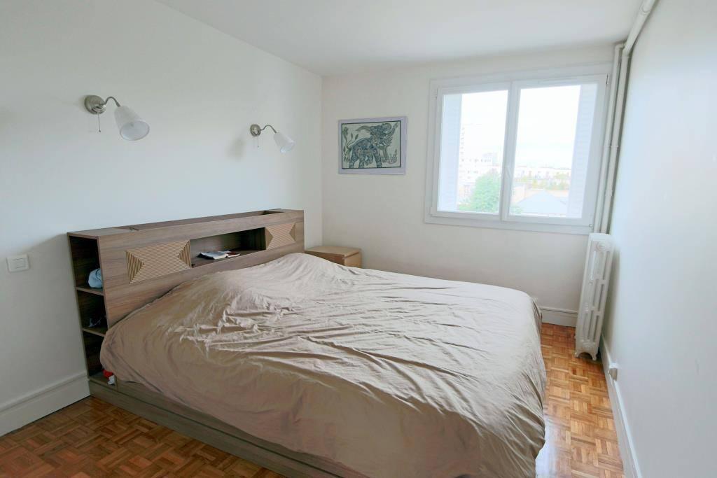 Chambre, très calme, belle vue, lit king-size