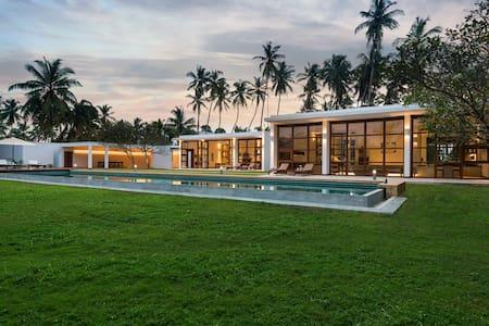 1 of 4 Bedrooms at Bentota No 1, Sri Lanka