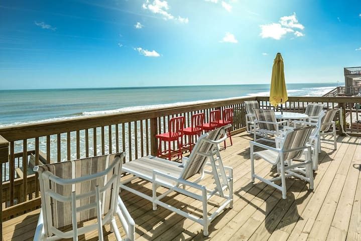 Beautifully decorated with Florida style, lovely beachfront home. 6847S