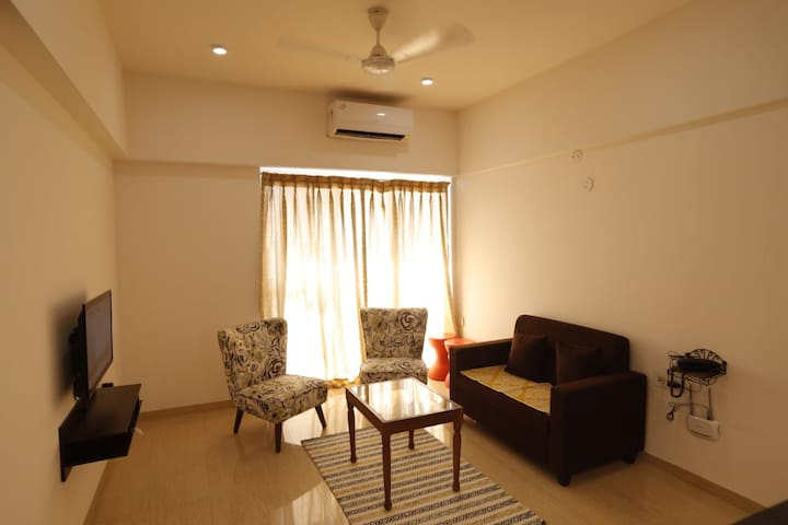 Beautiful Cozy AC furnished Studio Aptt in Pune