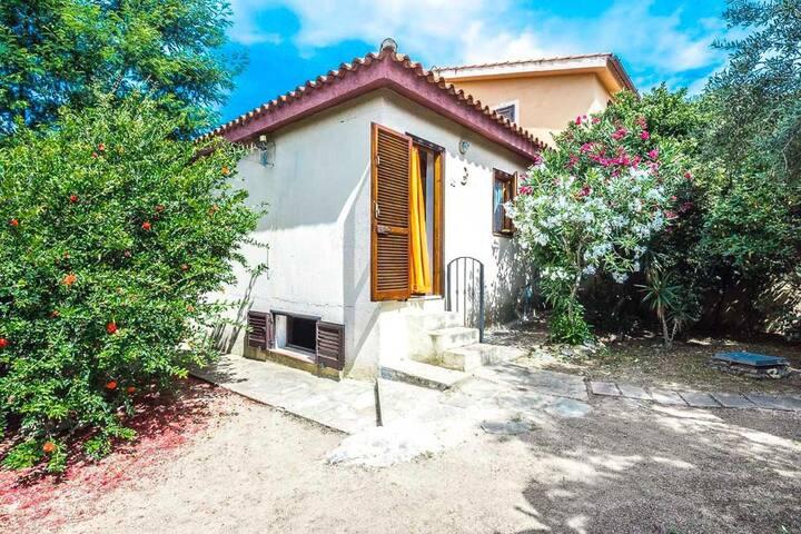 Villino casa San Teodoro vicino spiaggia la cinta