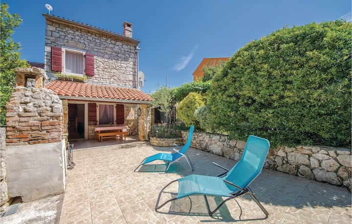 Nice home in Pula with 1 Bedrooms