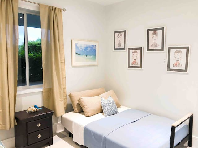 Full Bed, Second Bedroom