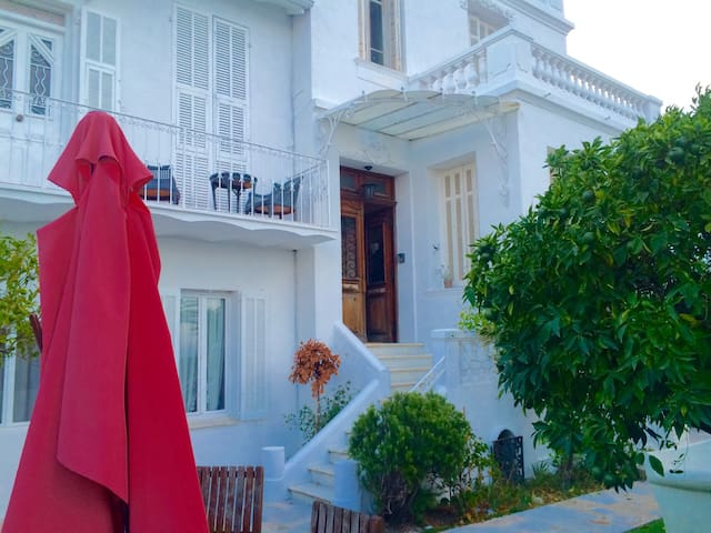 Villa à Golfe Juan Vue panoramique mer.