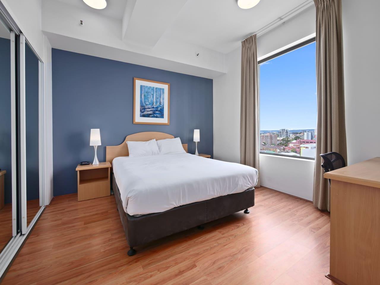 Grand Family 2-Bedroom Suite sleeps SIX