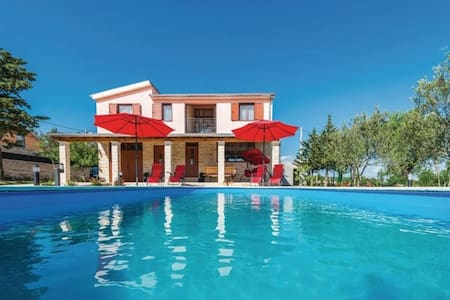 Villa Ivana Rossa for 8 persons with pool