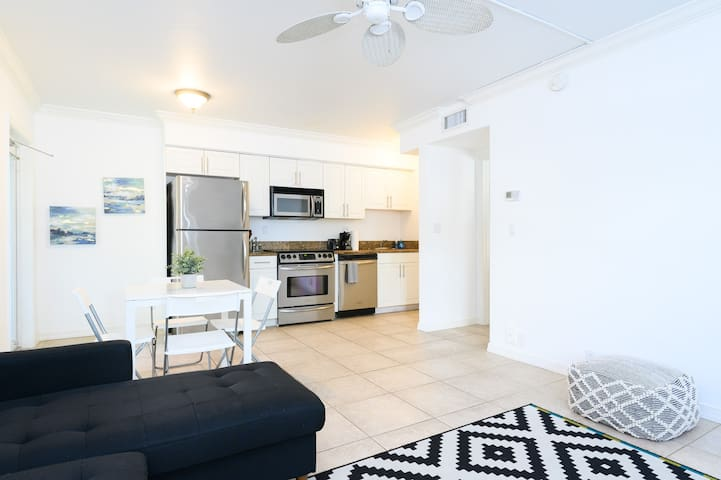 Cozy Beach Apt, Las Olas Blvd.