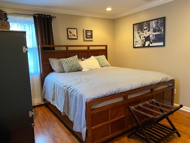 Norwalk Private Room King bed