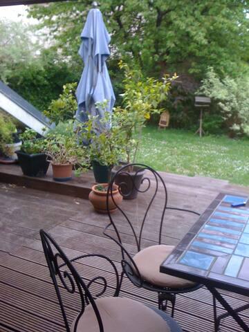 B&B (2 rooms)  maison d'architecte avec jardin