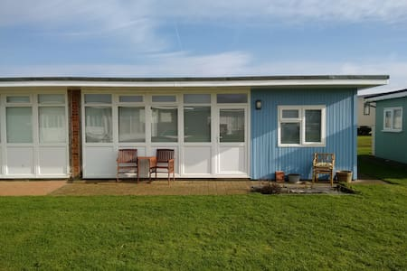 Seaside Chalet - Camber - Chalupa