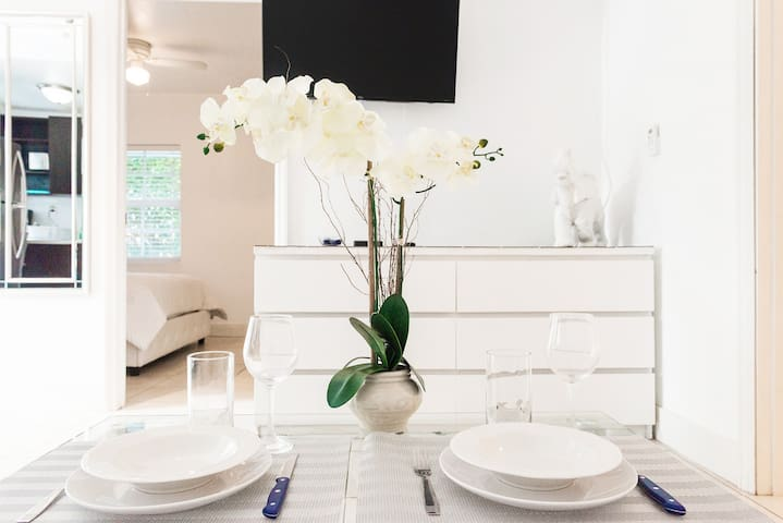 #10-1-2 BDR up to 4guests MIAMI MIMO+FREE PARKING