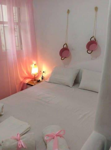 Amarielia apartment ροζ - Tinos - Lakás