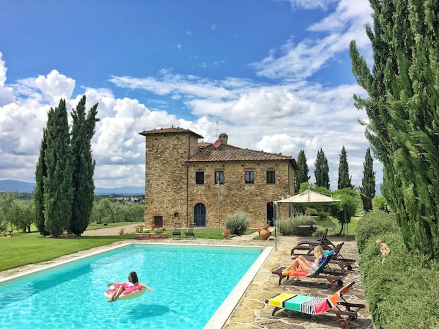 Villa in Tuscany: Pool, AC, Maid - Bucine - Villa