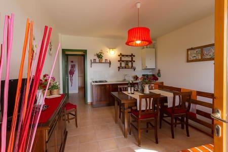 Ortensia 2 Bdrm w/ Garden and View - Sughera - Διαμέρισμα