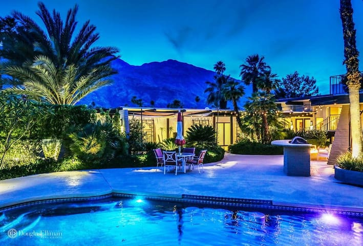 Luxury Home in Palm Springs