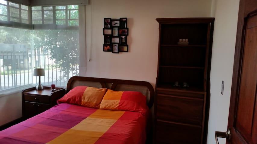 Dormitorio en bonita zona Escazu! - San José