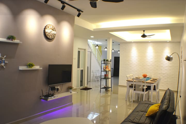 H&H 2 (5-bedroom, 18 Pax) - Melaka - Casa