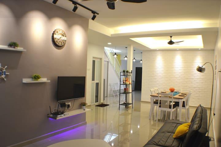 H&H 2 (5-bedroom, 18 Pax) - Melaka - Haus
