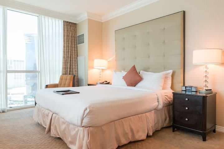 MGM HIGH FLOOR STRIP VIEW 1BR SUITE @ SIGNATURE - Las Vegas - Apartmen