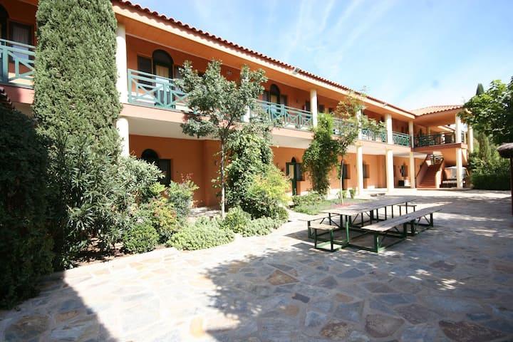 Hostel Layos Toledo, Habitación Estandar dos camas