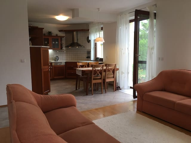 Private House 10min walk from Spa Piestany