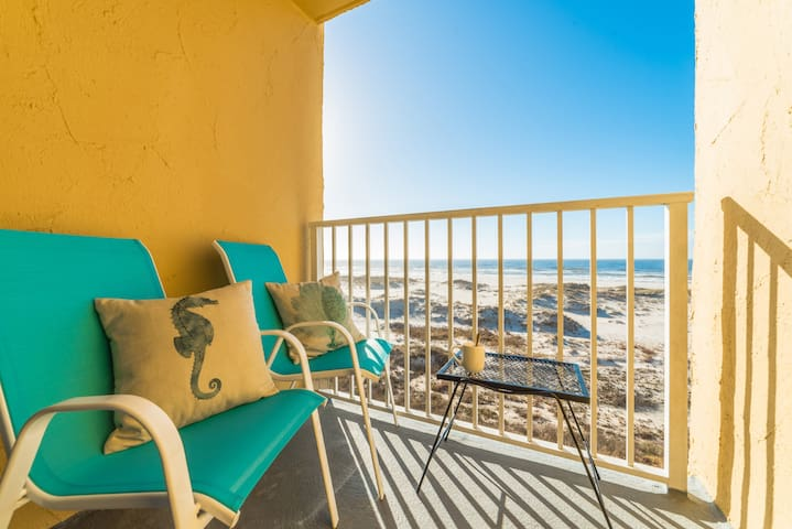 Beachfront - Gulf Views!!!Adorable Corner Unit!!!