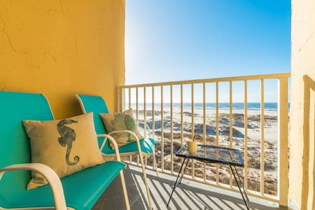 Beachfront - Gulf Views!!!Adorable Corner Unit!!! - Gulf Shores - Selveierleilighet