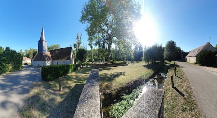 Maison, jacuzzi, et jardin calme et verdoyant
