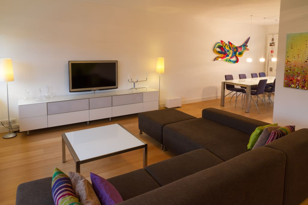 Our fully equipped home theatre system with large LED TV allows for some serious cocooning.